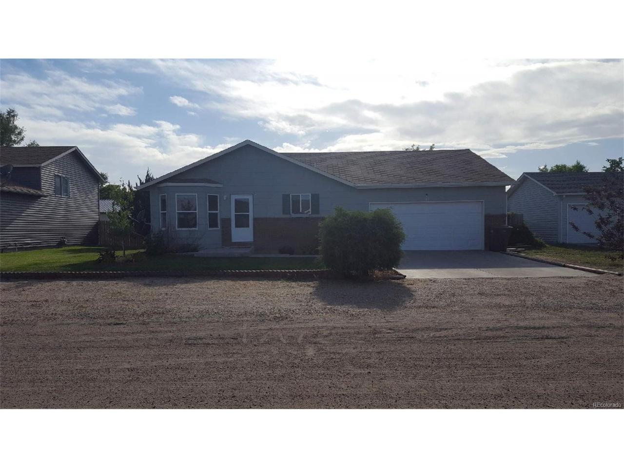 313 Sally Street, Wiggins, CO 80654 (MLS #8018015) :: 8z Real Estate