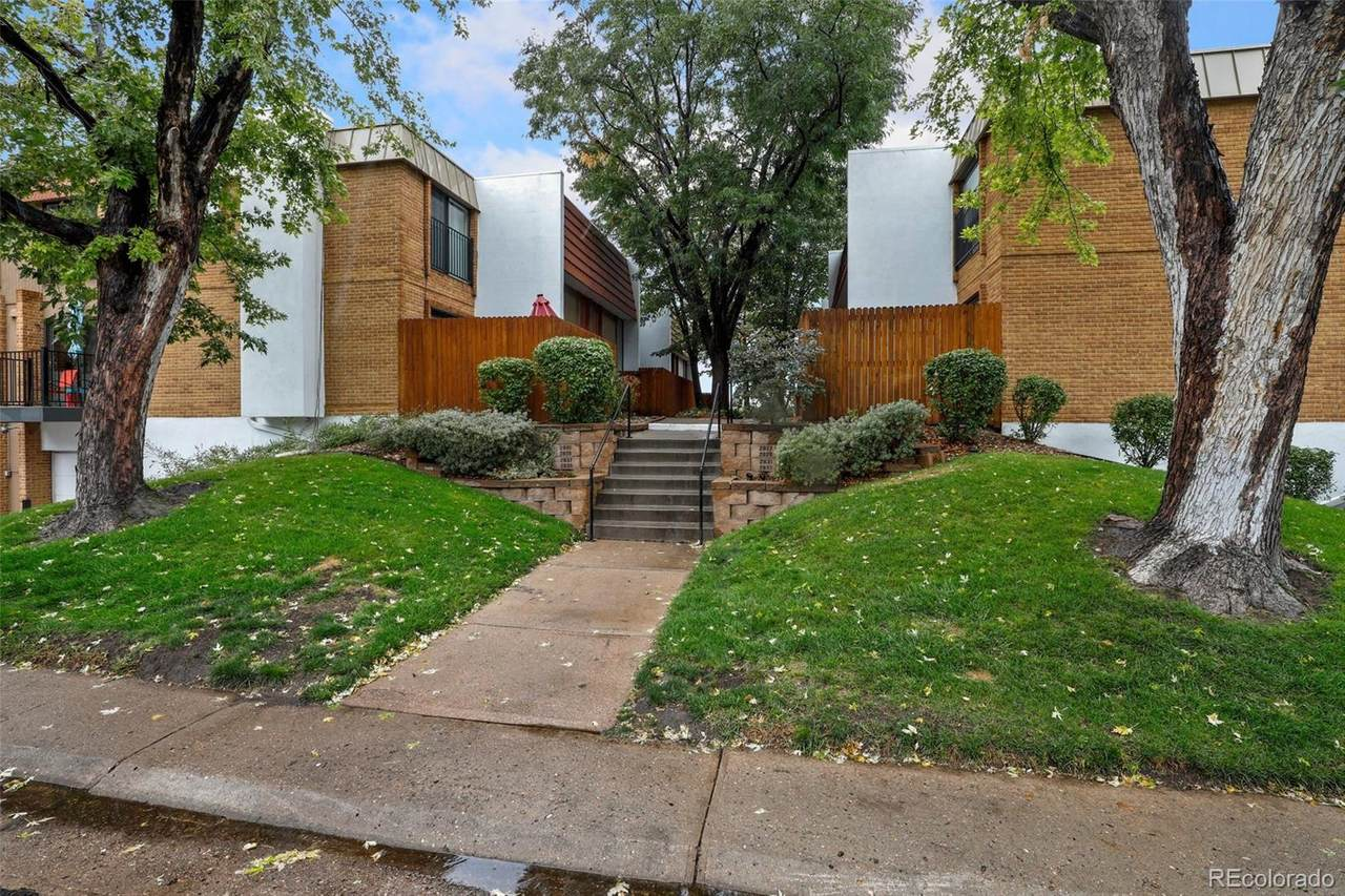2835 Locust Street - Photo 1