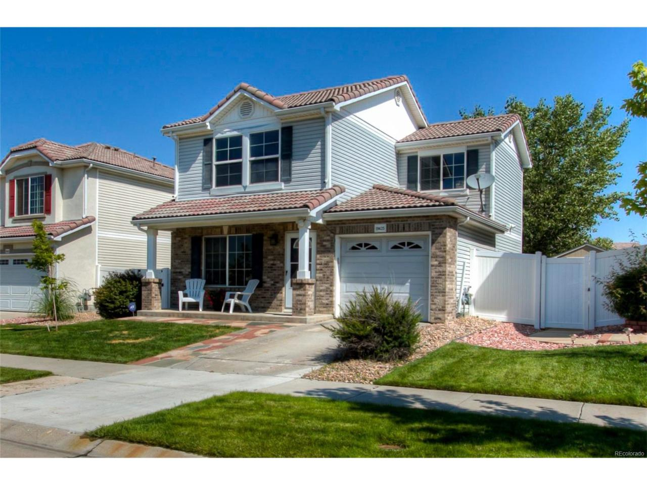 19425 Robins Drive, Denver, CO 80249 (MLS #8700935) :: 8z Real Estate