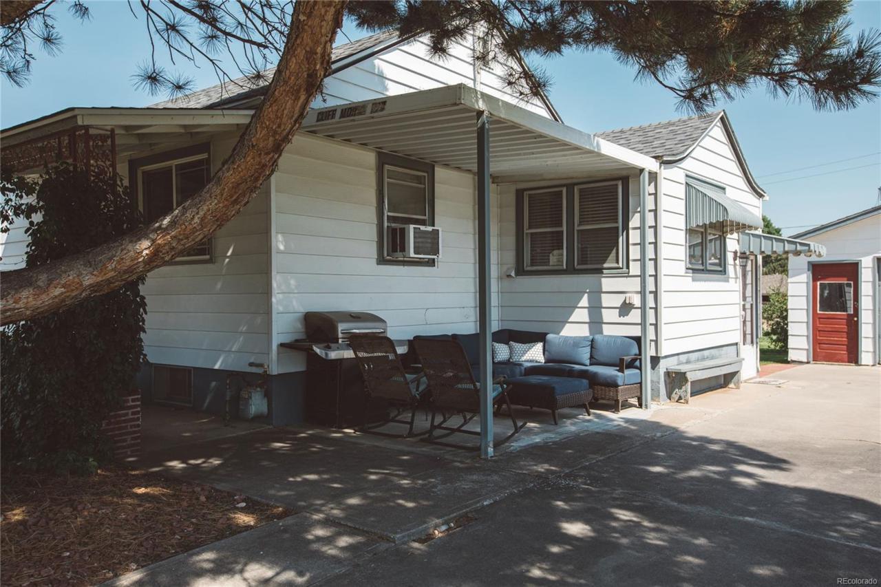 324 Chestnut Street - Photo 1
