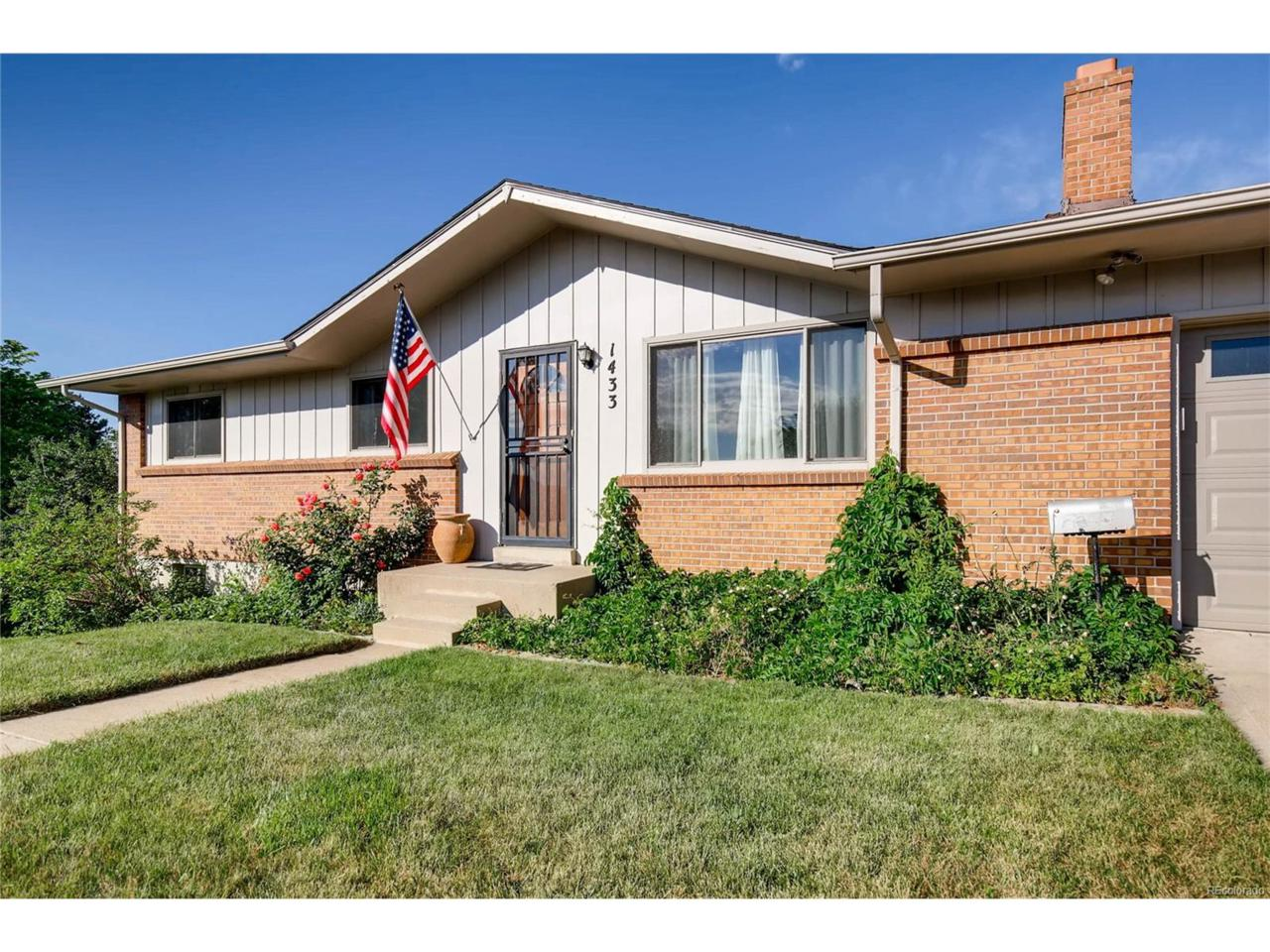 1433 S Vivian Way, Lakewood, CO 80228 (MLS #8953692) :: 8z Real Estate