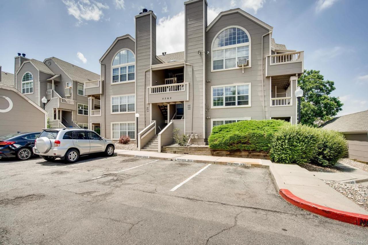 5705 W Atlantic Place #301, Lakewood, CO 80227 (#9205311) :: Colorado  Luxury Houses powered by Keller Williams