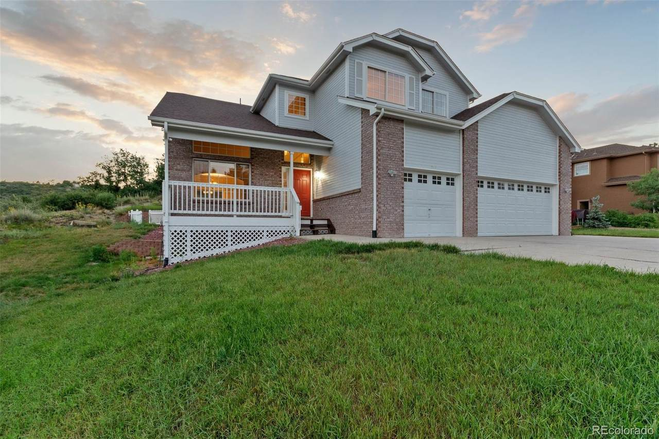 517 Valley Drive - Photo 1