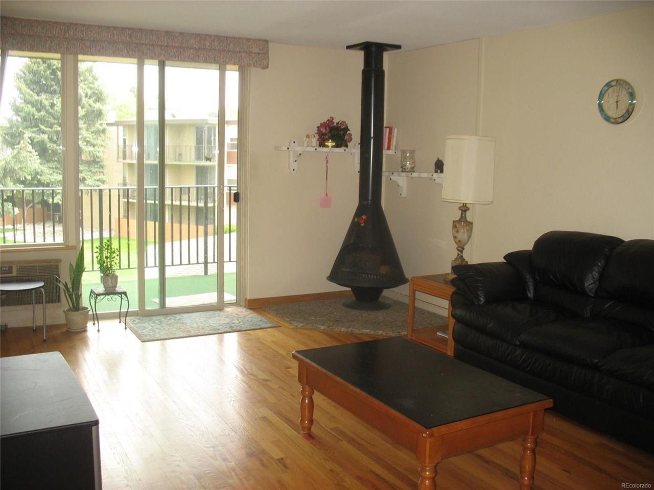 2231 S Vaughn Way 303B, Aurora, CO 80014 (MLS #9555298) :: 8z Real Estate