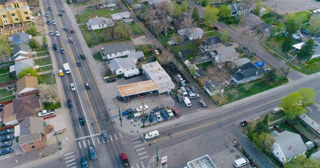 1395 Sheridan Boulevard - Photo 1