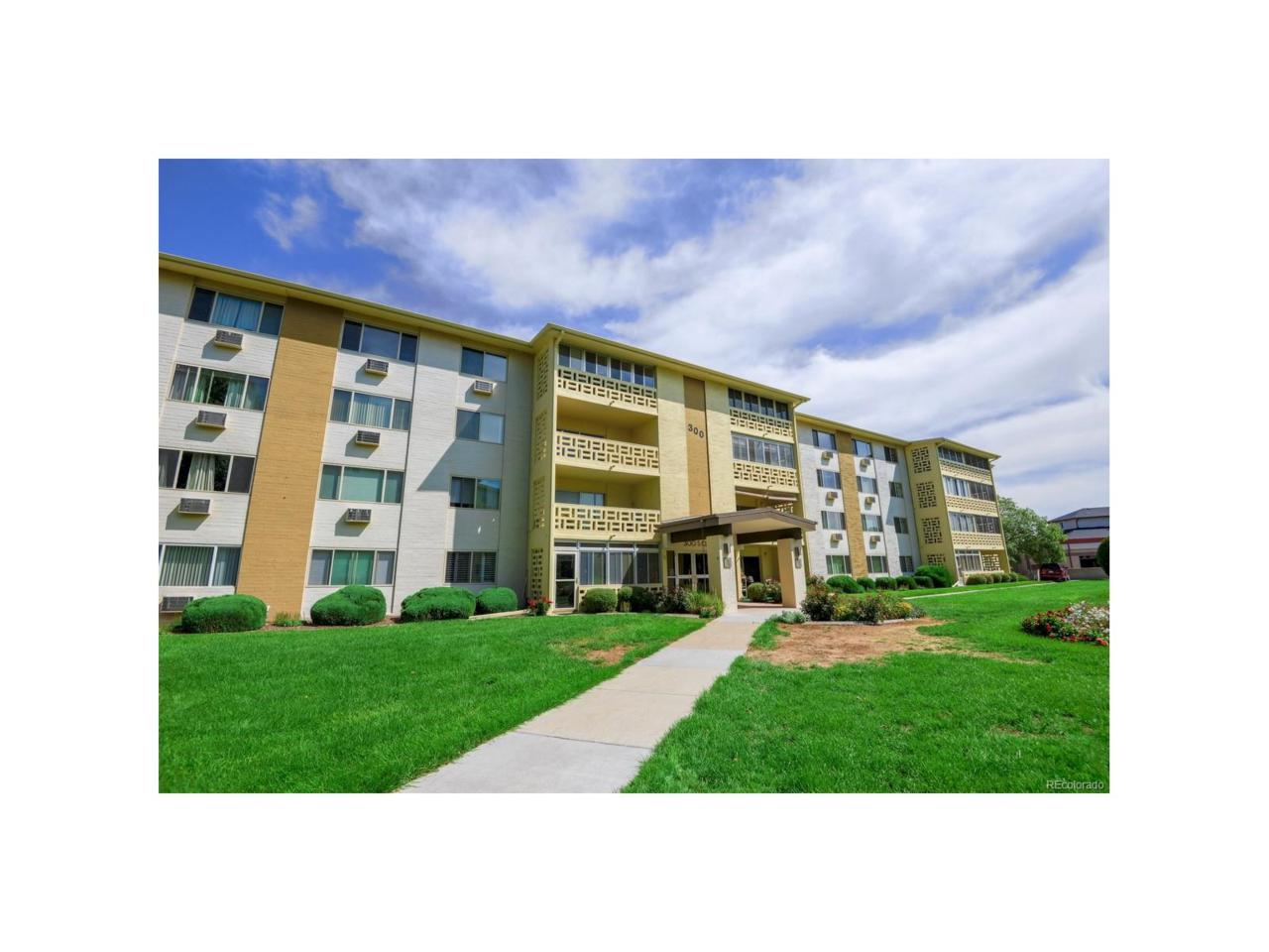 300 S Clinton Street 4A, Denver, CO 80247 (MLS #6292649) :: 8z Real Estate