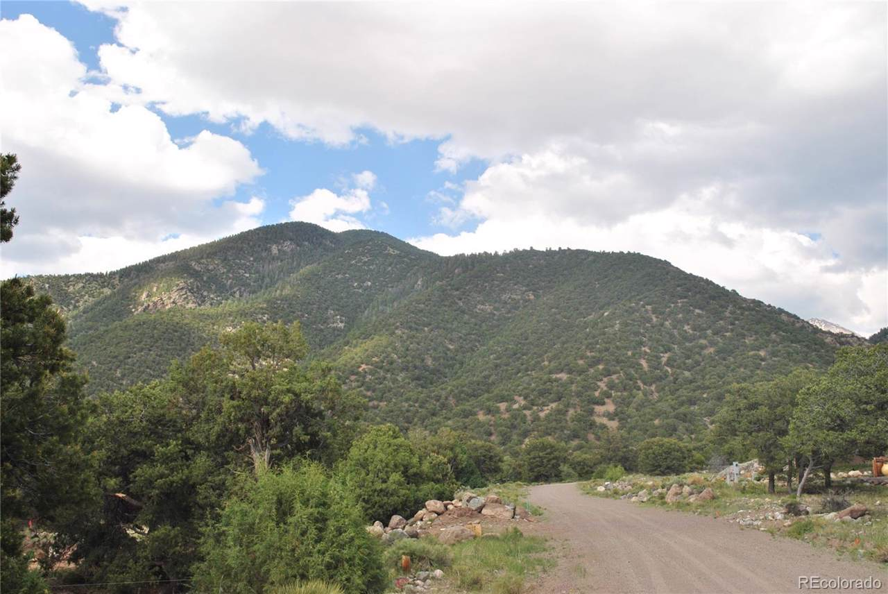 1198&1199 Hilltop Way - Photo 1