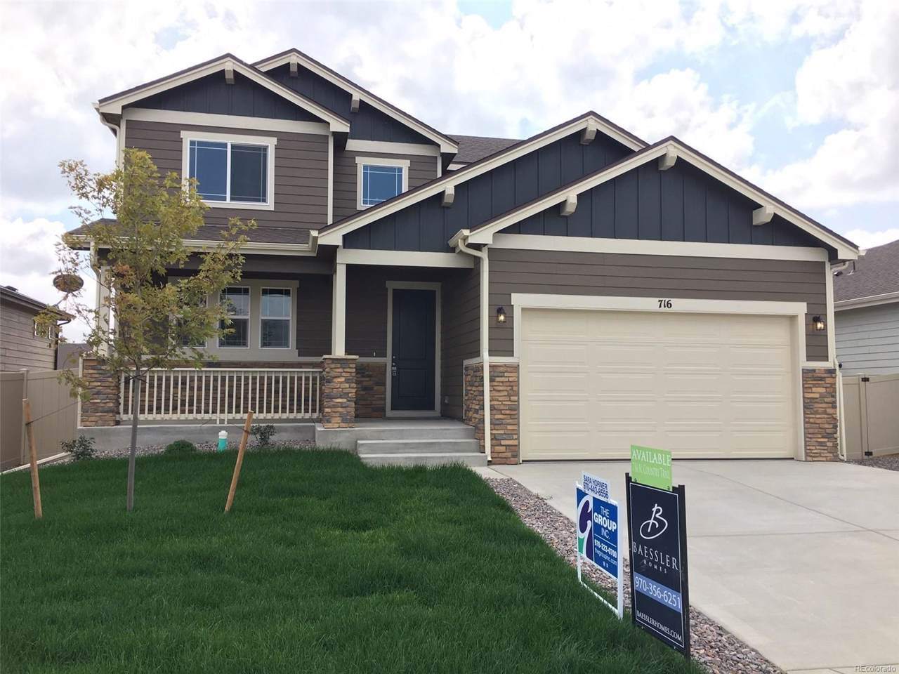 716 Country Trail - Photo 1