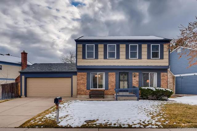 827 S Naples Way, Aurora, CO 80017 (#1514949) :: The Griffith Home Team