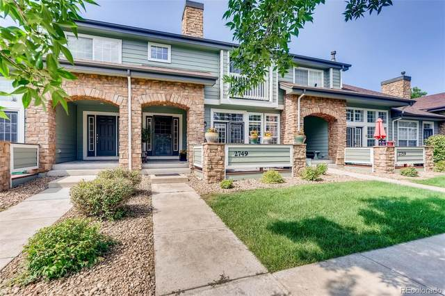 2749 W Greens Court, Littleton, CO 80123 (#1565201) :: Bring Home Denver with Keller Williams Downtown Realty LLC