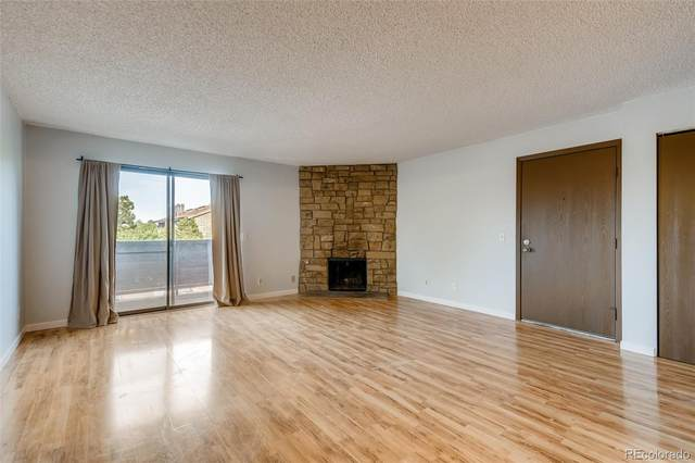 205 Wright Street #206, Lakewood, CO 80228 (#1770061) :: Finch & Gable Real Estate Co.