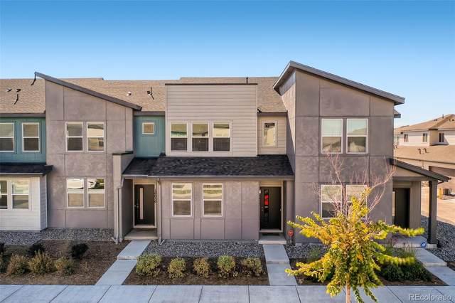 16022 E Warner Place, Denver, CO 80239 (MLS #1809237) :: Find Colorado Real Estate