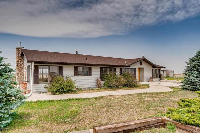 975 S Almstead Road, Watkins, CO 80137 (#1825028) :: The HomeSmiths Team - Keller Williams