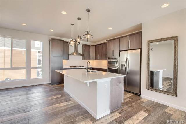 15862 E Broncos Place, Englewood, CO 80112 (#1899158) :: The Dixon Group