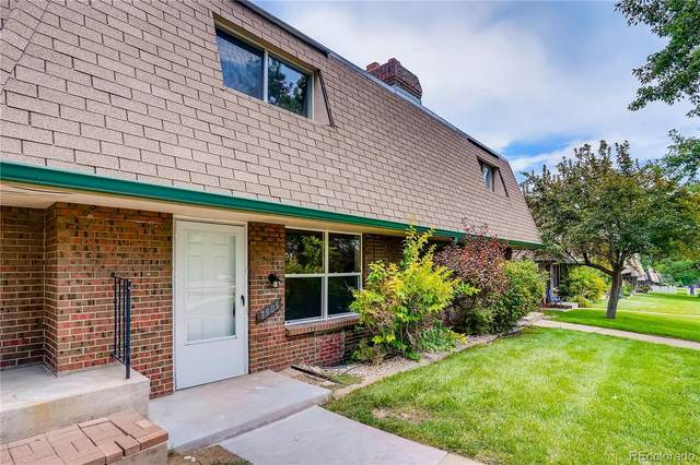7905 W Glasgow Place, Littleton, CO 80128 (#1947363) :: The DeGrood Team