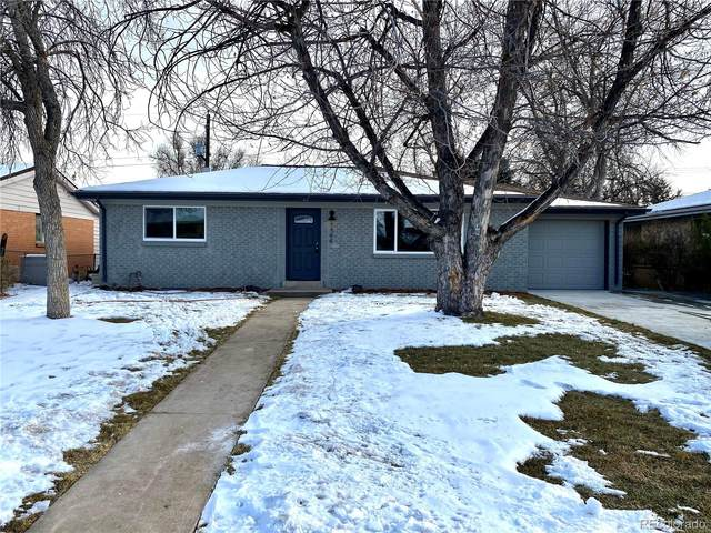 1544 S Chase Court, Lakewood, CO 80232 (#1954969) :: The HomeSmiths Team - Keller Williams