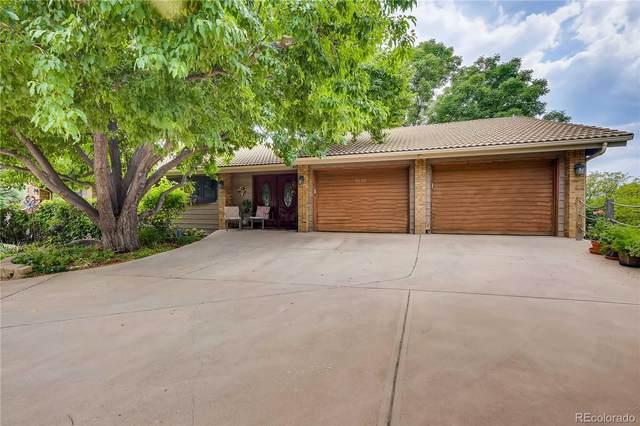2630 S Harlan Court, Lakewood, CO 80227 (#2178693) :: Kimberly Austin Properties