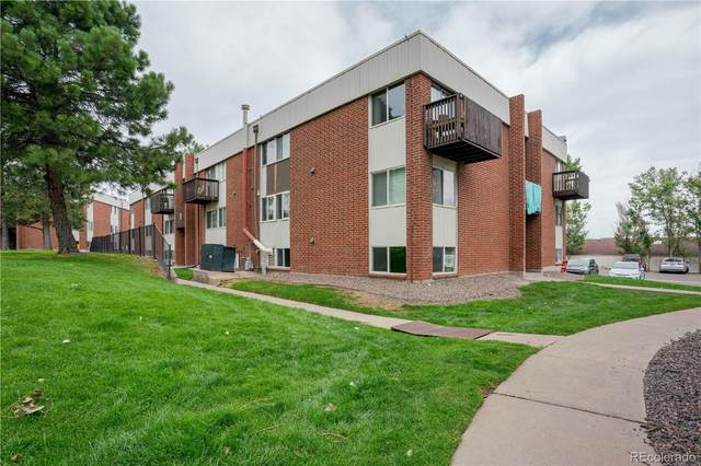 3633 S Sheridan Boulevard #2, Lakewood, CO 80235 (#2215587) :: The Heyl Group at Keller Williams