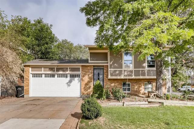 4400 Durham Court, Denver, CO 80239 (#2531289) :: The DeGrood Team