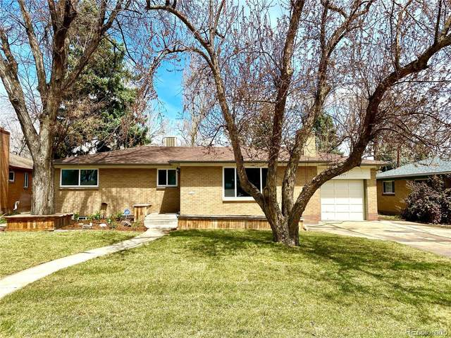 8315 W 17th Avenue, Lakewood, CO 80214 (#2550831) :: HomeSmart