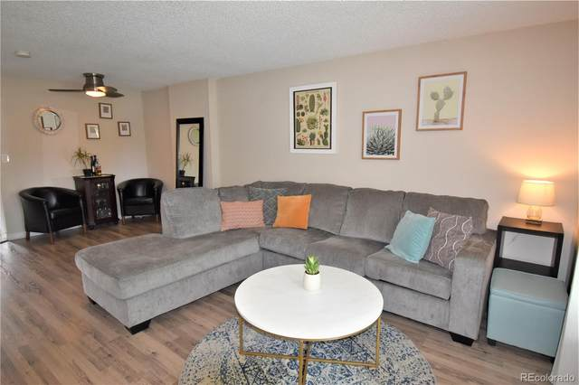 5622 W Center Avenue, Lakewood, CO 80226 (#2574377) :: Peak Properties Group