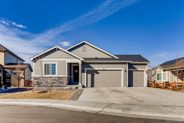 4541 S Valdai Way, Aurora, CO 80015 (#2580141) :: The DeGrood Team