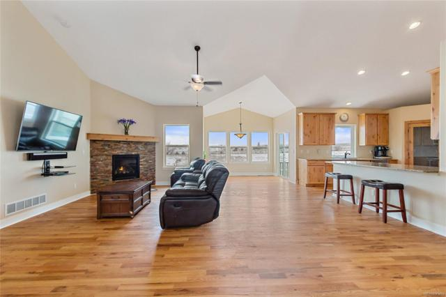 59620 E Commanche Way, Strasburg, CO 80136 (#2810282) :: The Heyl Group at Keller Williams