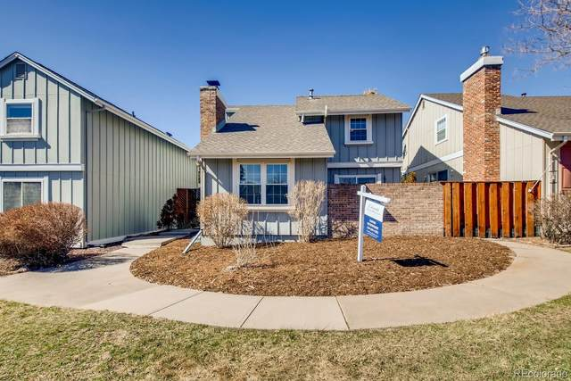 7644 S Rosemary Circle, Centennial, CO 80112 (#2855598) :: The Griffith Home Team