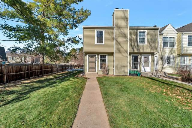 9058 W Dartmouth Place, Lakewood, CO 80227 (#2895061) :: The DeGrood Team