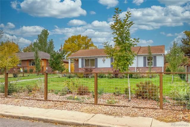 2835 Elm Street, Denver, CO 80207 (#2920336) :: The Harling Team @ HomeSmart