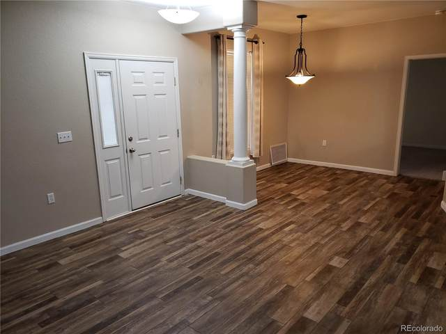 4064 S Crystal Circle #102, Aurora, CO 80014 (#2989116) :: The Harling Team @ Homesmart Realty Group
