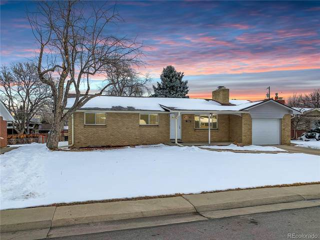 2552 Newcombe Street, Lakewood, CO 80215 (#3283563) :: Realty ONE Group Five Star
