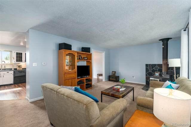 6511 Welch Court, Arvada, CO 80004 (#3412197) :: The Healey Group
