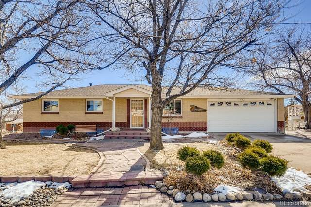 9842 W 54th Avenue, Arvada, CO 80002 (#3458448) :: The Scott Futa Home Team