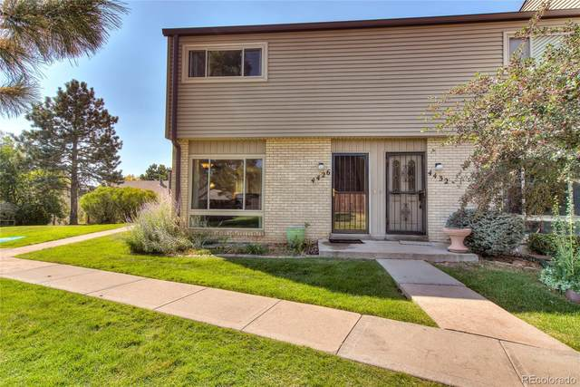 4426 W Pondview Drive, Littleton, CO 80123 (#3527536) :: The Healey Group
