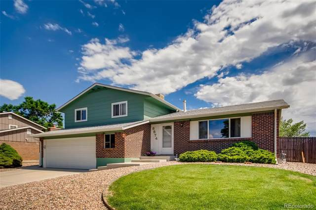 8574 W Swarthmore Place, Littleton, CO 80123 (#3596158) :: The DeGrood Team