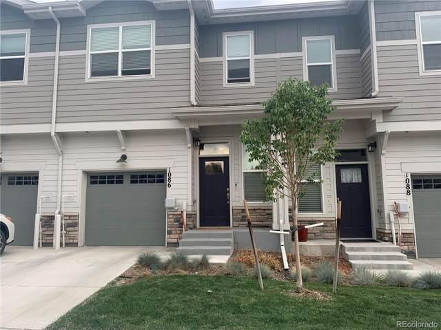 1086 Oak Circle, Lakewood, CO 80215 (#3622520) :: Finch & Gable Real Estate Co.