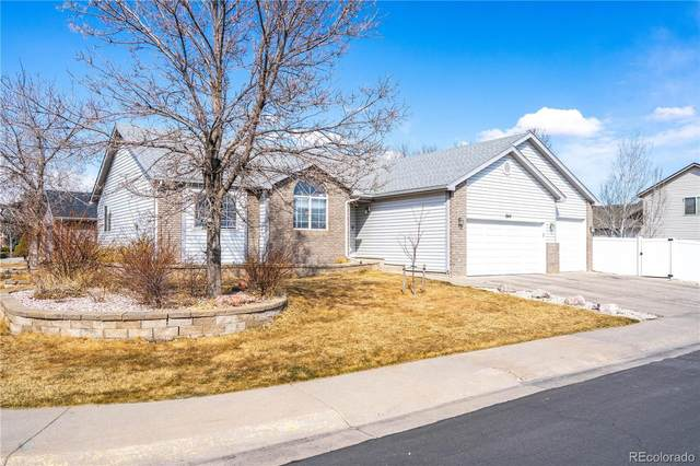 1544 Lakewood Drive, Windsor, CO 80550 (#3634075) :: The DeGrood Team