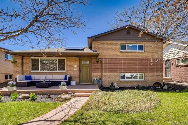 3561 Jasmine Street, Denver, CO 80207 (#3692101) :: Mile High Luxury Real Estate