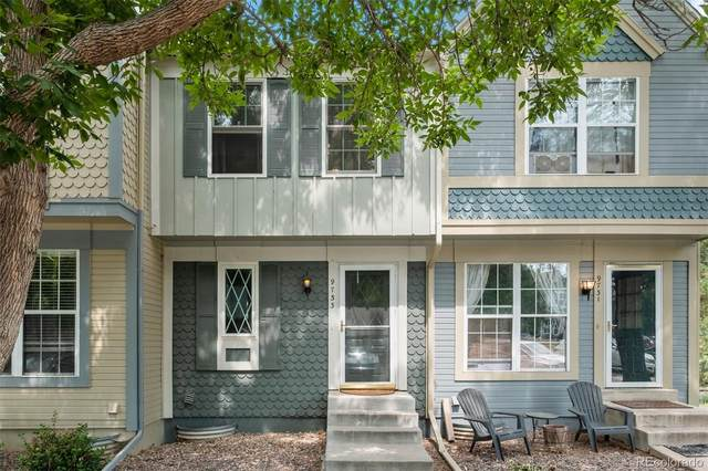 9733 W Cornell Place, Lakewood, CO 80227 (#3715401) :: Compass Colorado Realty