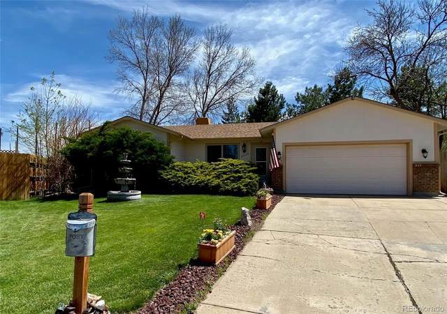 8570 Dover Circle, Arvada, CO 80005 (#3754189) :: The Peak Properties Group