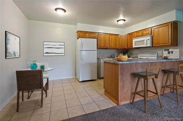 3663 S Sheridan Boulevard D6, Denver, CO 80235 (#4039810) :: The Healey Group