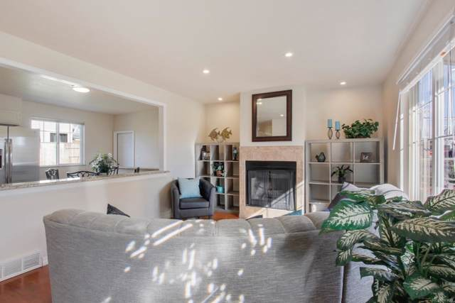 15157 E Stanford Place, Aurora, CO 80015 (#4056565) :: Mile High Luxury Real Estate