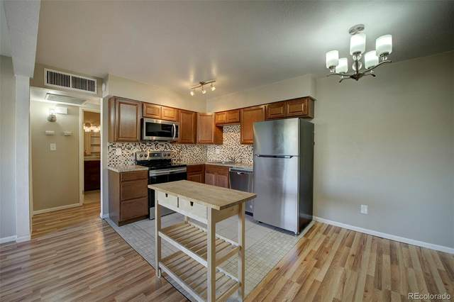 3663 S Sheridan Boulevard #7, Denver, CO 80235 (#4275313) :: Portenga Properties - LIV Sotheby's International Realty