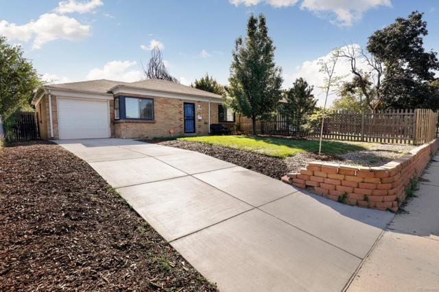 3210 Krameria Street, Denver, CO 80207 (#4332605) :: The DeGrood Team