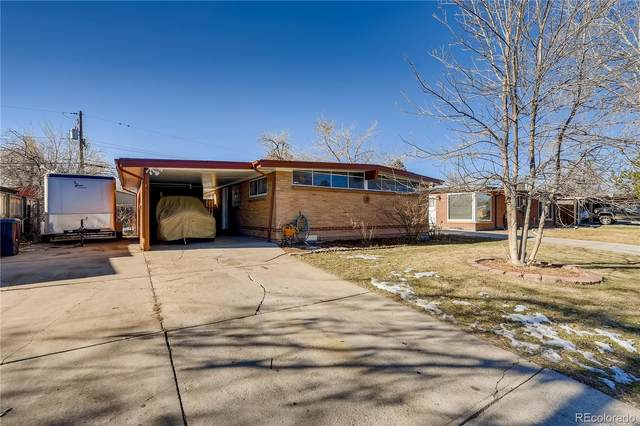 1349 S Chase Court, Lakewood, CO 80232 (#4388864) :: The Healey Group