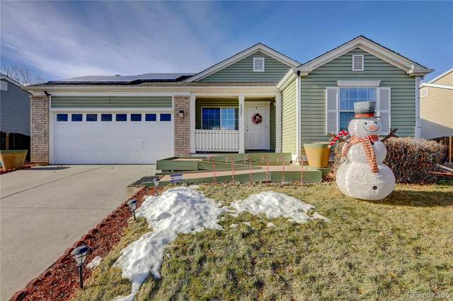 5221 Jasper Street, Denver, CO 80239 (#4405150) :: Stephanie Fryncko | Keller Williams Integrity