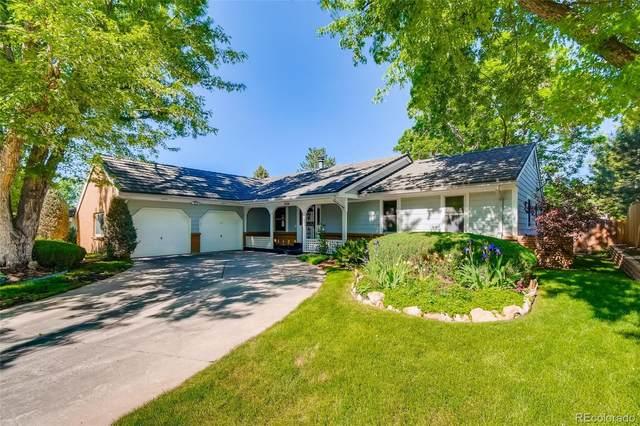 3884 S Peach Way, Denver, CO 80237 (#4430975) :: The HomeSmiths Team - Keller Williams