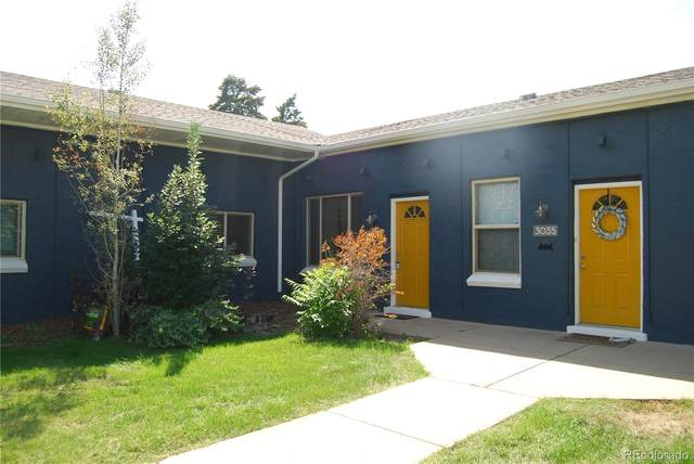 3033 Ash Street, Denver, CO 80207 (#4433501) :: Kimberly Austin Properties