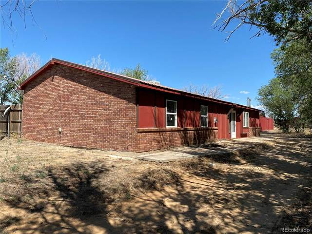 19230 Loop Road, Colorado Springs, CO 80928 (#4442888) :: Colorado Home Finder Realty